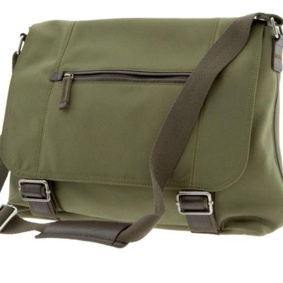 Banana Republic Handbags - Banana Republic messenger bag 8fb20b29e6